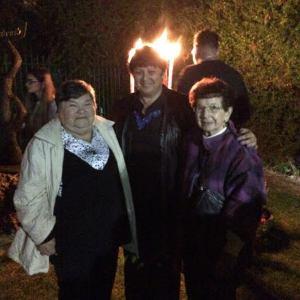 בטקס עם ניצולות השואה תושבות חולון ויקירות העיר בת שבע דגן ומלכה רוזנטל